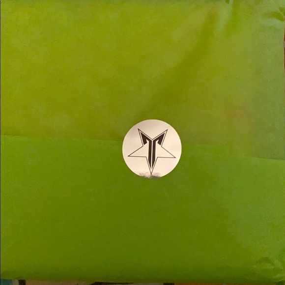 Jeffree Star Other - Jeffree Star Mini Breaker palette